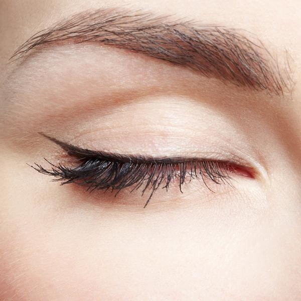 Làm đẹp Q&A: Kẻ eyeliner tự nhiên cho mắt sắc và mắt mí sụp, bé 8