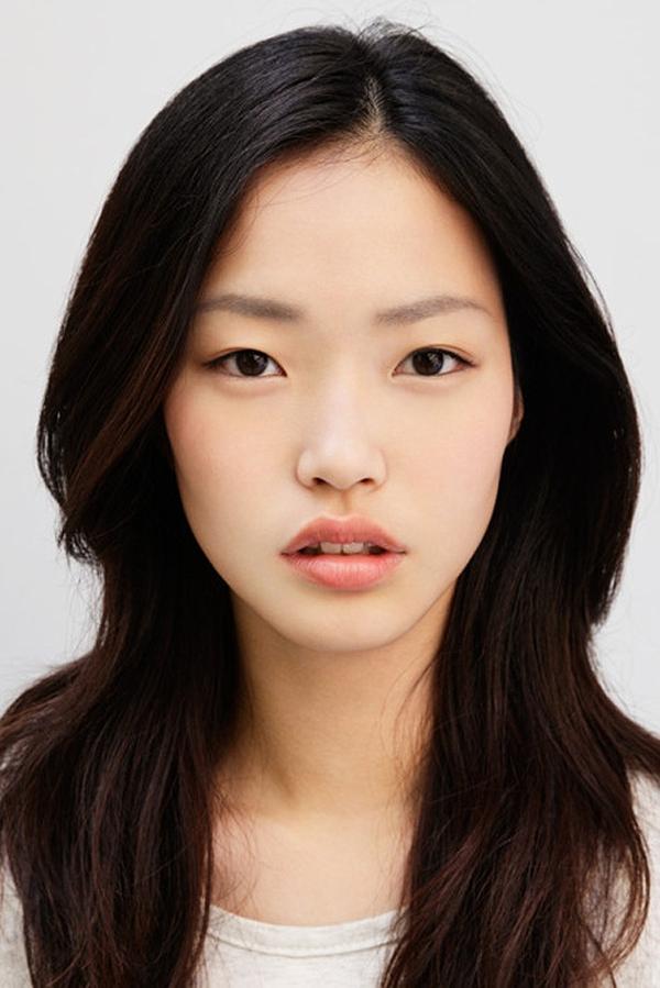 Làm đẹp Q&A: Kẻ eyeliner tự nhiên cho mắt sắc và mắt mí sụp, bé 7