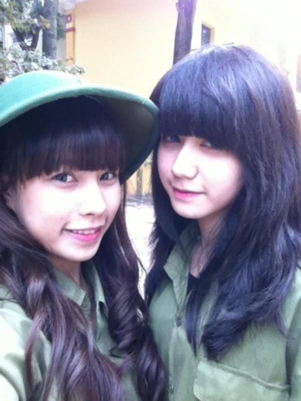 Ngỡ ngàng hot girl Việt giản dị mà cực dễ thương khi mặc quân phục 14