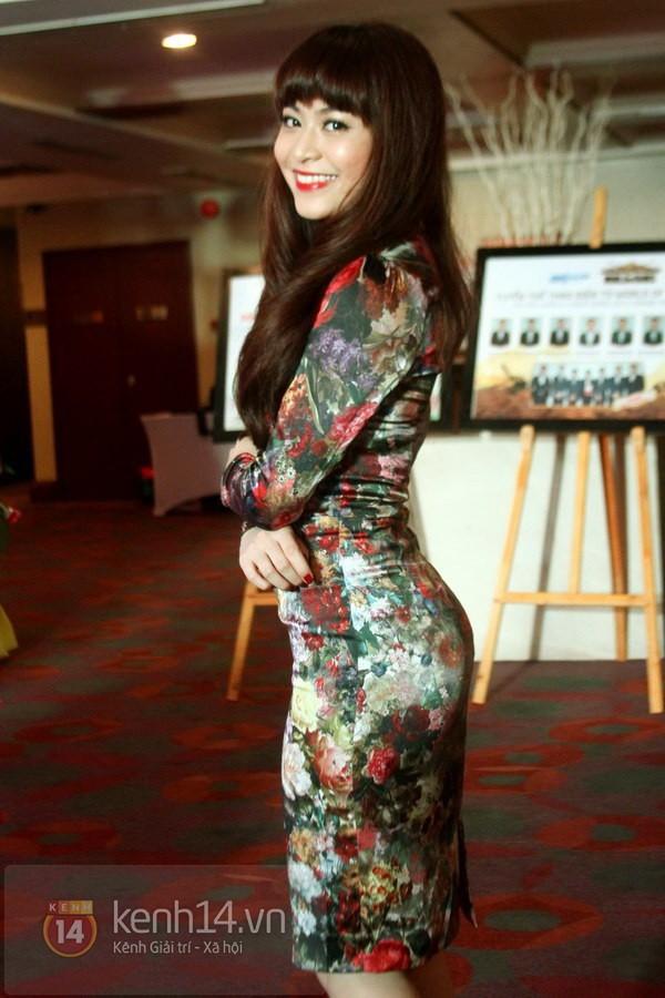 Ngỡ ngàng hot girl Việt giản dị mà cực dễ thương khi mặc quân phục 1