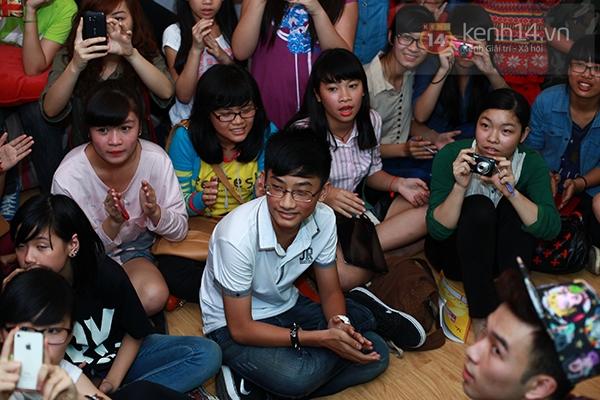 Chi Pu, Sa Lim, Quỳnh Anh Shyn thân thiết trong buổi offline của St.319 4