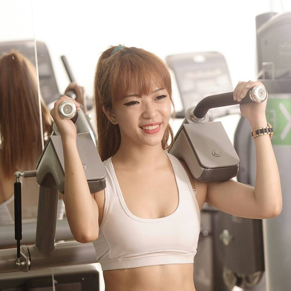 Hana Giang Anh - Cô nàng HLV thể dục 20 tuổi cực hot trên Youtube 2