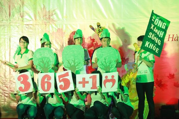 """Sinh viên ĐH Y tế công cộng cháy hết mình với """"dạ tiệc mùa thu"""" 6"""