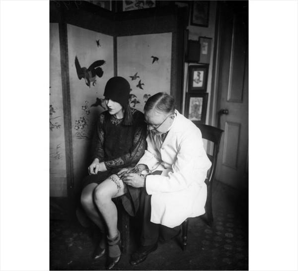 Những bức hình hiếm về hình xăm trên cơ thể phụ nữ thế kỷ 19 7