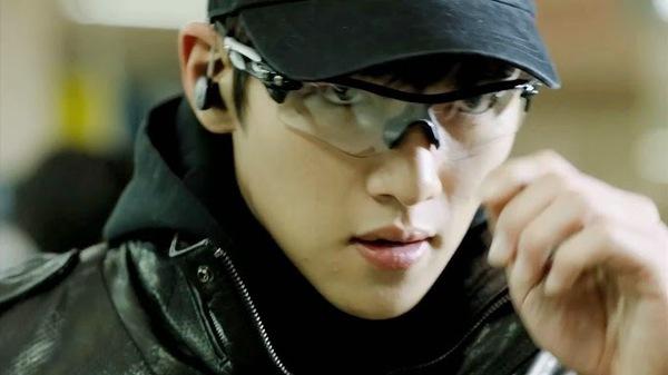 Park Min Young chạy tung tăng dưới nắng 3
