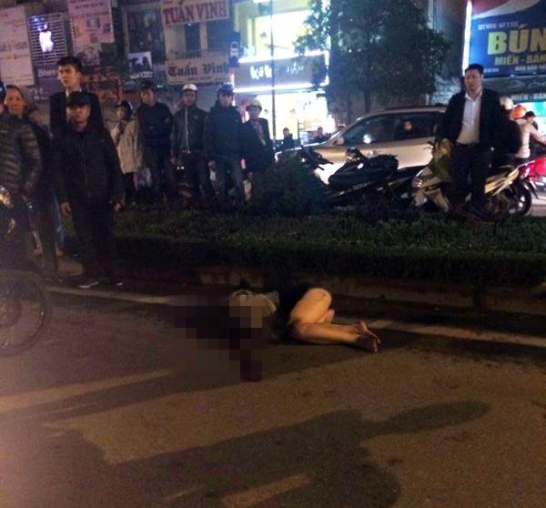 Hà Nội: Xe ô tô đâm trọng thương cô gái trẻ rồi bỏ chạy 1