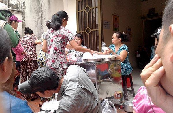 """Vì sao quán bánh đúc """"chảnh"""" nhất Sài Gòn luôn hút khách suốt 40 năm qua? 3"""