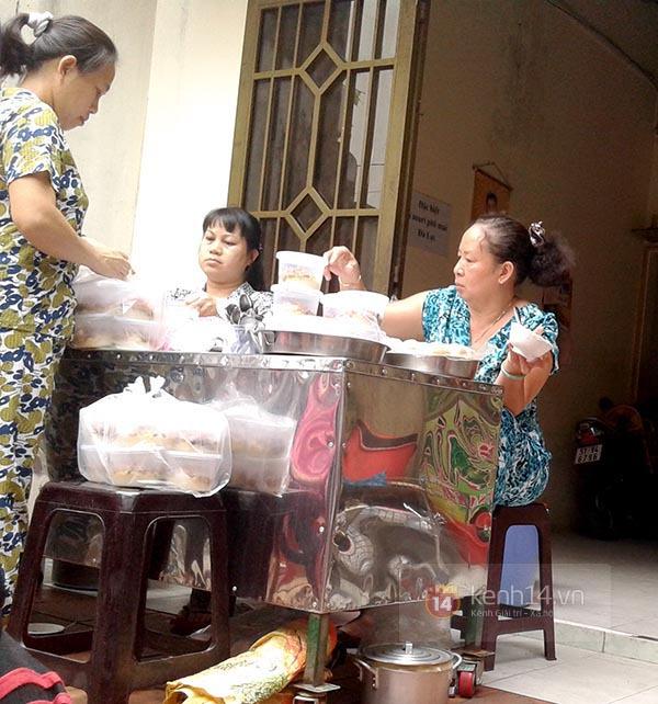 """Vì sao quán bánh đúc """"chảnh"""" nhất Sài Gòn luôn hút khách suốt 40 năm qua? 5"""