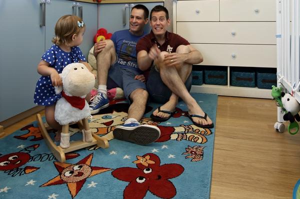 Chùm ảnh: Cuộc sống hạnh phúc của các cặp đồng tính bên con cái 6