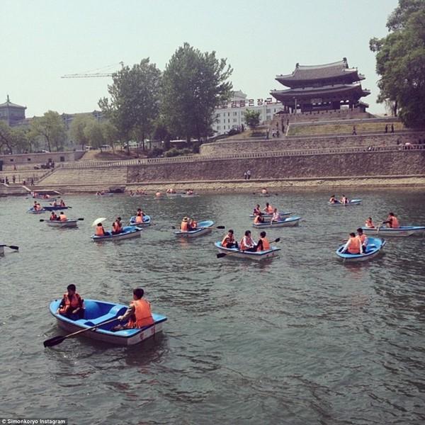 Hướng dẫn viên từng đến Triều Tiên 140 lần chia sẻ hình ảnh về đất nước bí ẩn 2