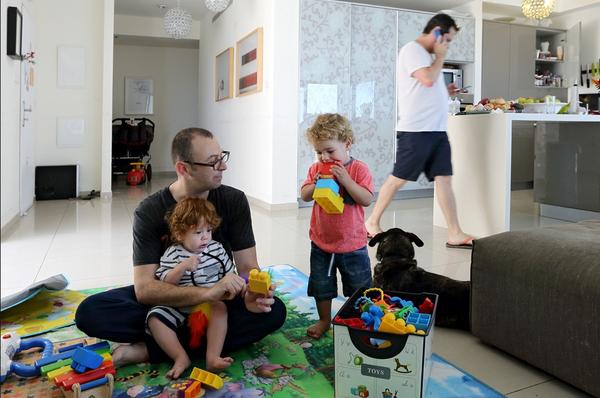 Chùm ảnh: Cuộc sống hạnh phúc của các cặp đồng tính bên con cái 22
