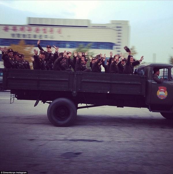 Hướng dẫn viên từng đến Triều Tiên 140 lần chia sẻ hình ảnh về đất nước bí ẩn 21