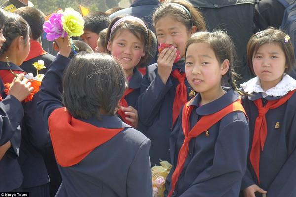 Hướng dẫn viên từng đến Triều Tiên 140 lần chia sẻ hình ảnh về đất nước bí ẩn 16