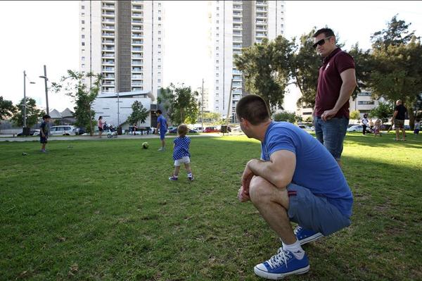 Chùm ảnh: Cuộc sống hạnh phúc của các cặp đồng tính bên con cái 11