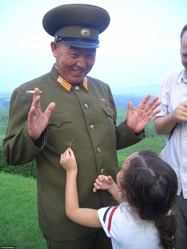 Hướng dẫn viên từng đến Triều Tiên 140 lần chia sẻ hình ảnh về đất nước bí ẩn 5