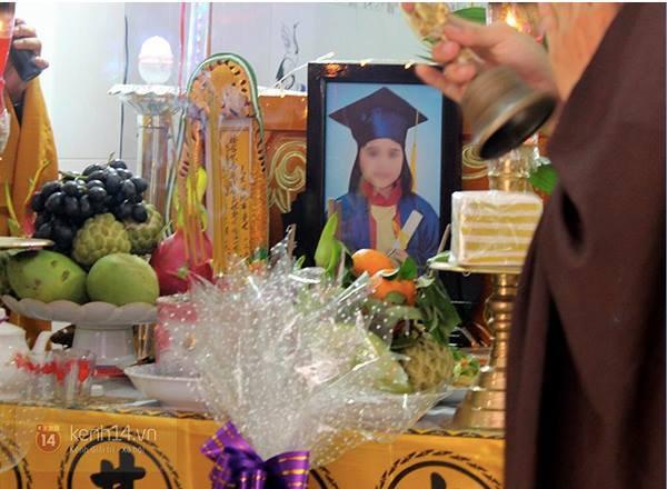 TP.HCM: Nghẹn ngào lễ tang của nữ sinh lớp 6  1
