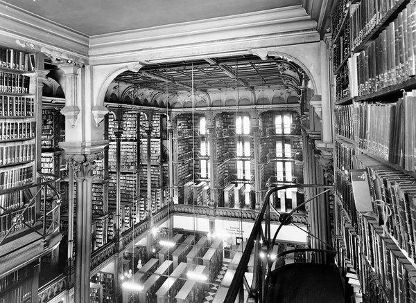 Chiêm ngưỡng những thư viện hoành tráng và đẹp mắt nhất thế giới 13