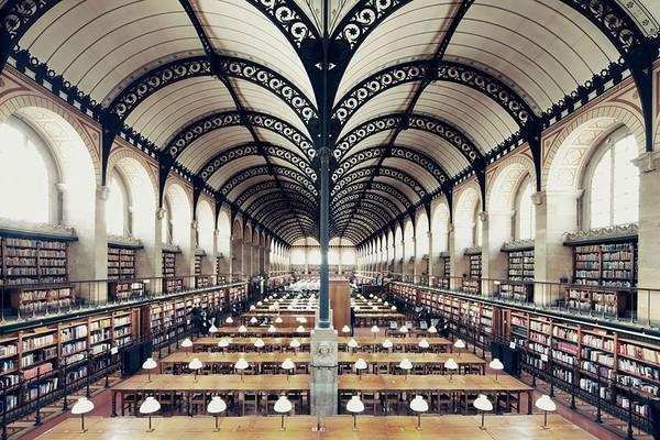 Chiêm ngưỡng những thư viện hoành tráng và đẹp mắt nhất thế giới 16
