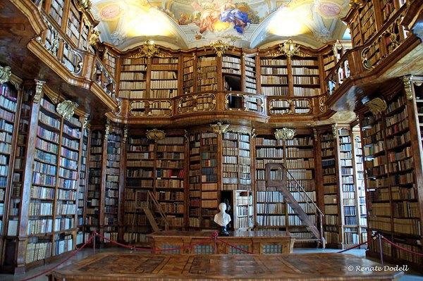 Chiêm ngưỡng những thư viện hoành tráng và đẹp mắt nhất thế giới 5