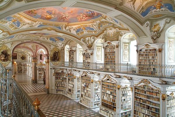 Chiêm ngưỡng những thư viện hoành tráng và đẹp mắt nhất thế giới 7