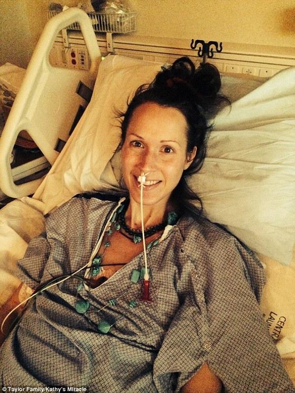 Người mẹ qua đời vì từ chối điều trị ung thư để cứu con trong bụng 2