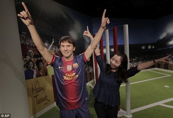 """Messi và Beckham bất ngờ """"xuất hiện"""" tại Nhật Bản 3"""