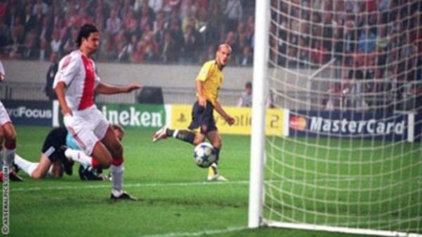 Điểm lại những chuyến làm khách chói sáng của Arsenal 3