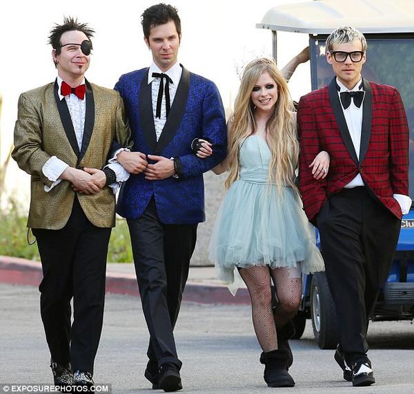 Avril Lavigne lên kế hoạch làm đám cưới hoành tráng 3
