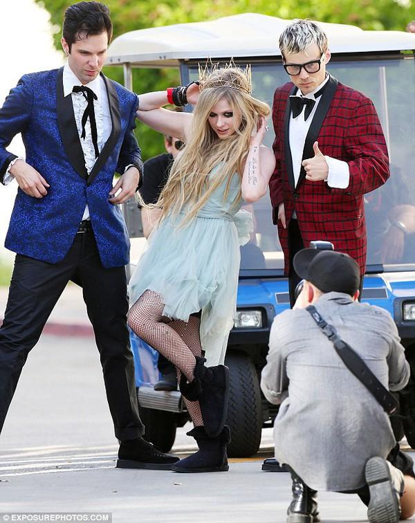 Avril Lavigne lên kế hoạch làm đám cưới hoành tráng 4