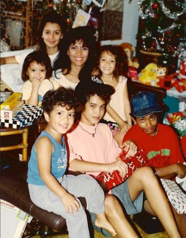 Mẹ Bruno Mars qua đời ở tuổi 55 vì phình mạch não 4