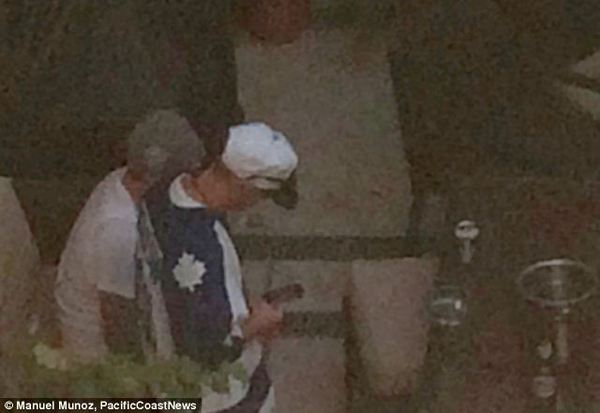Justin Bieber lại tiệc tùng khi vừa ra khỏi trại giam 1