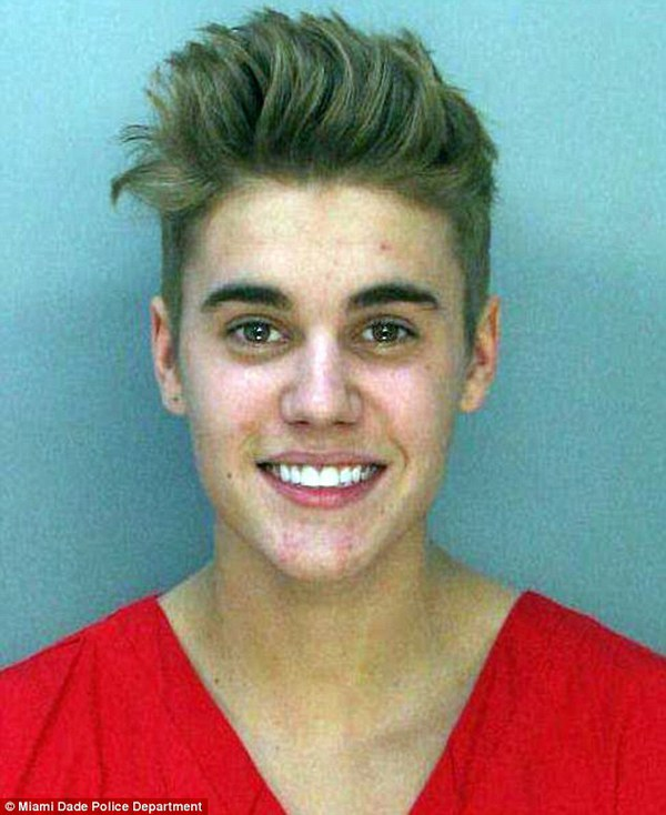 Justin Bieber lại tiệc tùng khi vừa ra khỏi trại giam 3