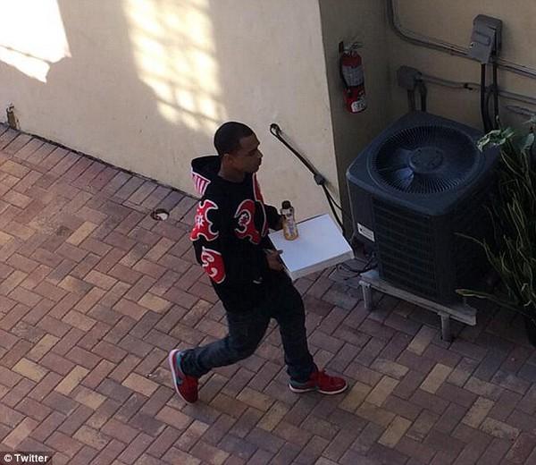Justin Bieber lại tiệc tùng khi vừa ra khỏi trại giam 6
