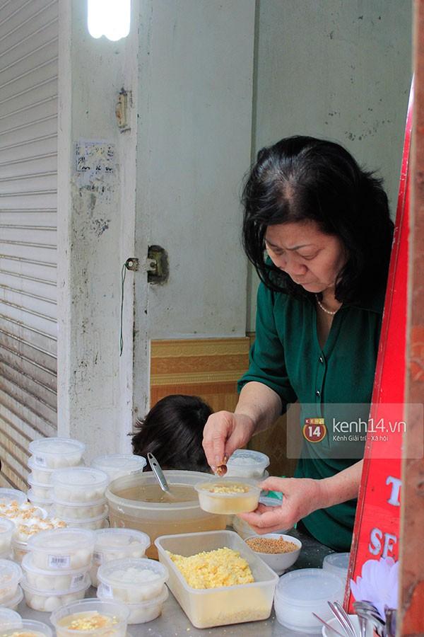 Người Hà Nội xếp hàng mua bánh trôi bánh chay trong cái rét nàng Bân 10