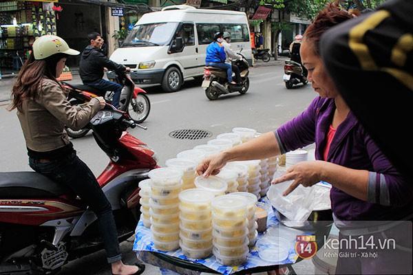Người Hà Nội xếp hàng mua bánh trôi bánh chay trong cái rét nàng Bân 14