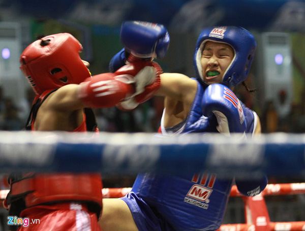 Đương kim vô địch thế giới Muay Thái khóc hận vì thua... trọng tài Sea Games 1