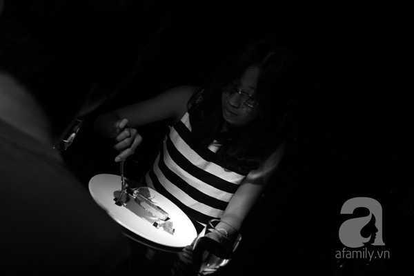 Nhà hàng bóng tối do người khiếm thị phục vụ lần đầu tiên xuất hiện ở Việt Nam 17