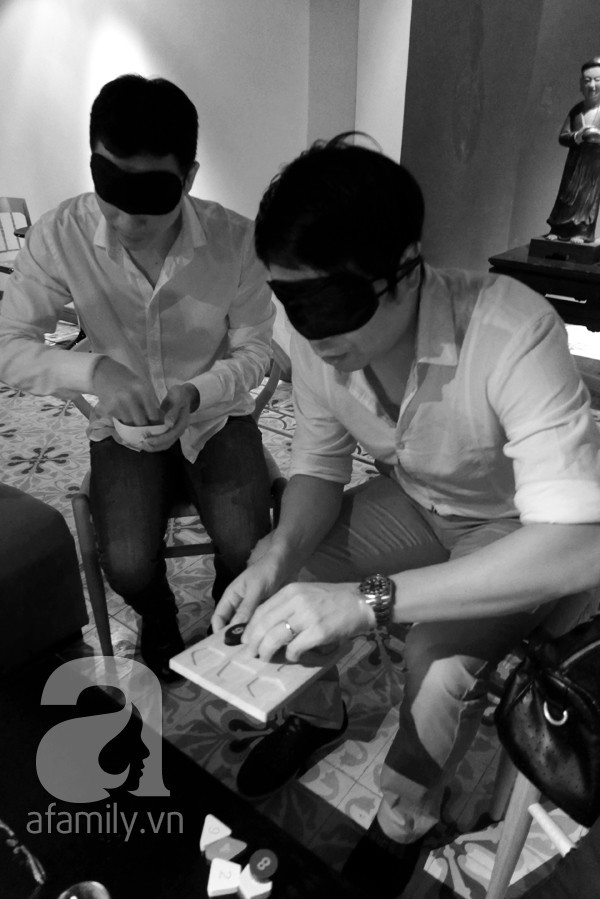 Nhà hàng bóng tối do người khiếm thị phục vụ lần đầu tiên xuất hiện ở Việt Nam 5