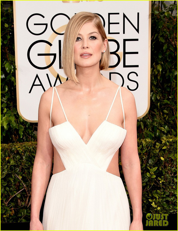 Bóc mác loạt váy áo lộng lẫy của sao tại Quả Cầu Vàng 2015 13