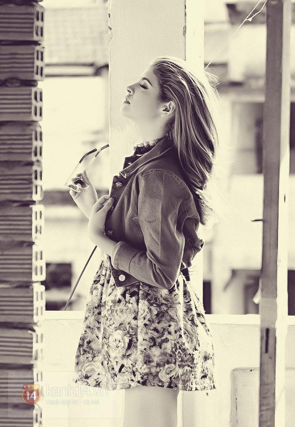 Andrea khoe chân dài trong ánh nắng rạng rỡ của mùa xuân phương Nam 14
