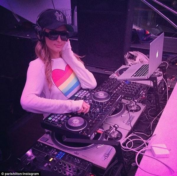 """Paris Hilton: """"David Beckham đến xem tôi chơi nhạc"""" 10"""