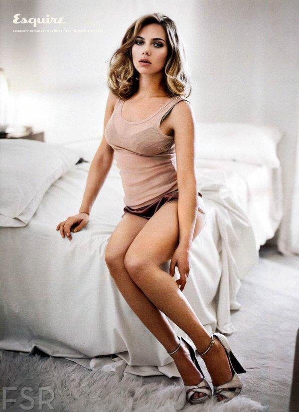 Scarlett Johansson bất ngờ báo tin có thai 1