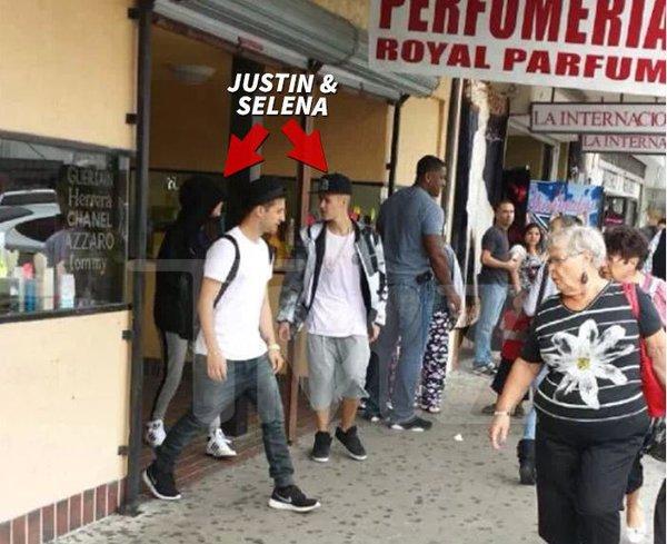 Justin Bieber và Selena Gomez ôm hôn nhau trong nhà hàng 2