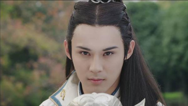 Fan Trung lại phát sốt vì nhan sắc của Lan Lăng Vương xinh gái 3