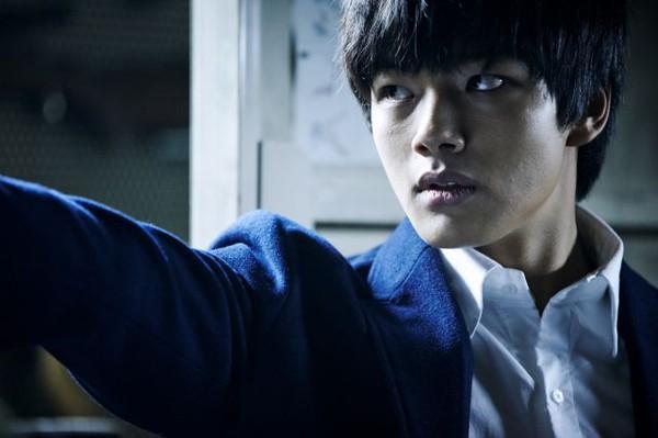 Sao trẻ xứ Hàn tài năng nhất thay đàn anh đóng phim trăm tỷ 1