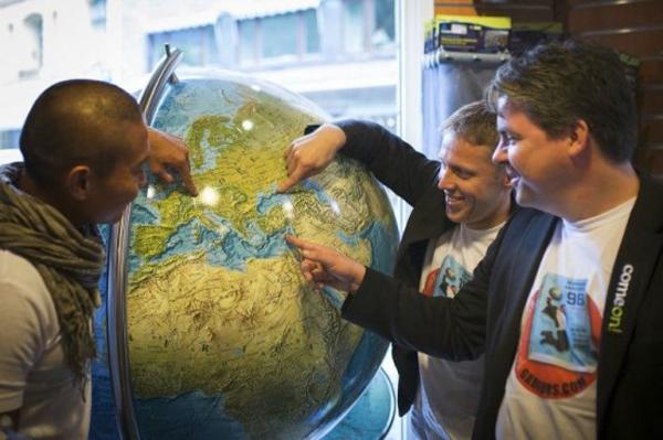 Chóng mặt với hành trình ghé thăm 19 quốc gia chỉ trong 1 ngày 3