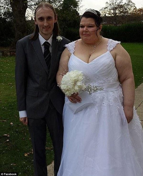 Người đàn bà có máu ghen nặng nhất thế giới đã kết hôn 1