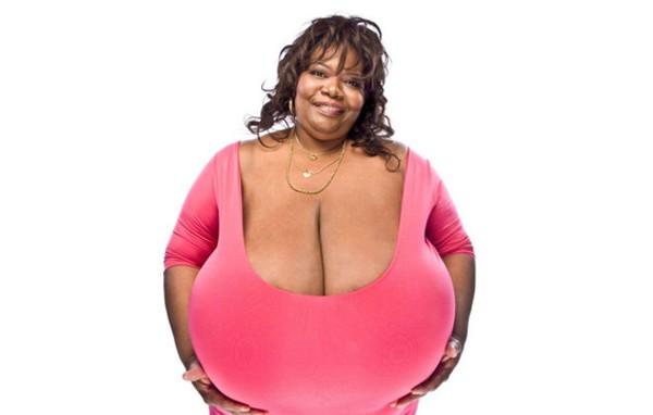 Muốn tắc thở với cô gái sở hữu bộ ngực nhân tạo lớn nhất thế giới 6