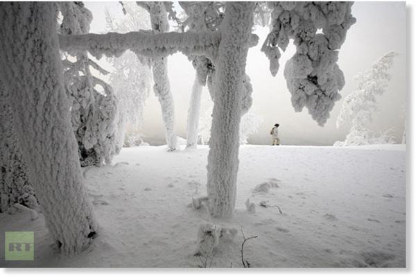 Những hình ảnh đáng sợ về giá lạnh bất thường tại Nga 6