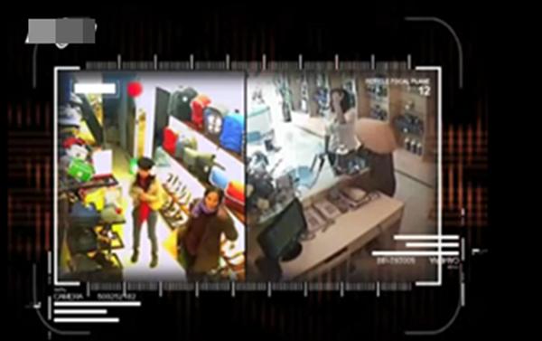 Việt Nam: Clip 2 cụ bà nhanh tay ăn trộm đồ 1